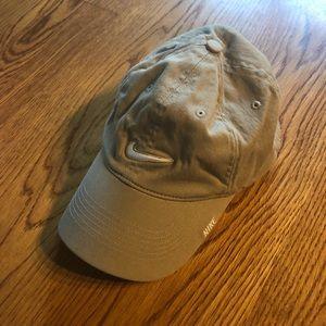 {nike} dat hat